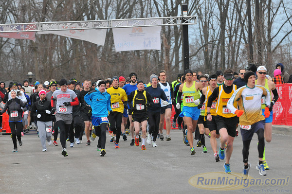 The start of the Rock CF half marathon.  It was a brisk morning on Grosse Ile.